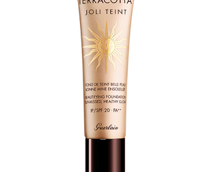 Faux tanning gets a luxurious twist in the new Guerlain Terracotta summer 2014 collection. Have a look!