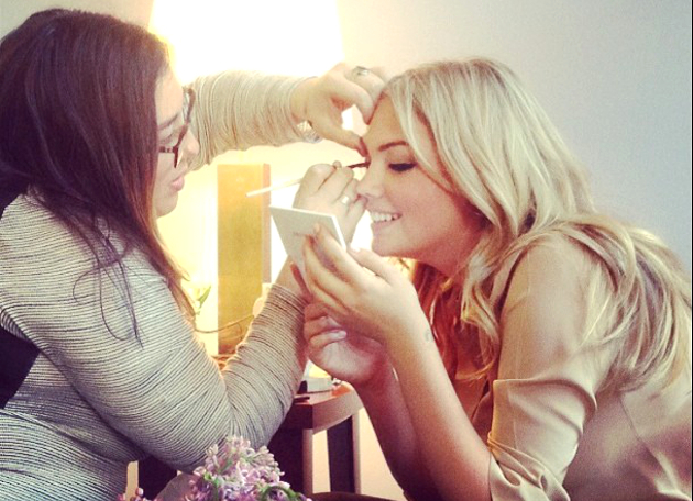 Kate Upton And Bobbi Brown Makeup Session