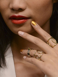 Gold Metallic Nail Polish Trend Spring 2014