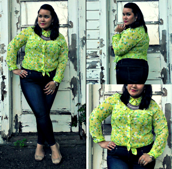 Plus Size Outfit With Jeans Blouse