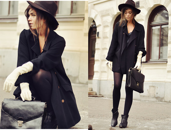 All Black Outfit With Hat
