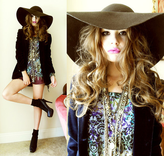 Boho Outfit With Large Hat