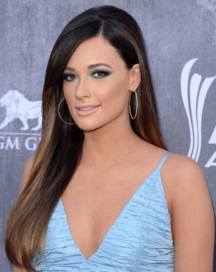 Kacey Musgraves Acm Awards 2014 Hair And Makeup