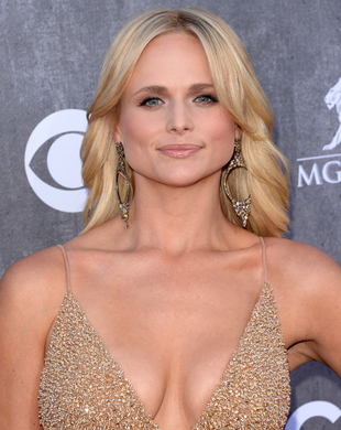 Miranda Lambert Acm Awards 2014 Hair And Makeup