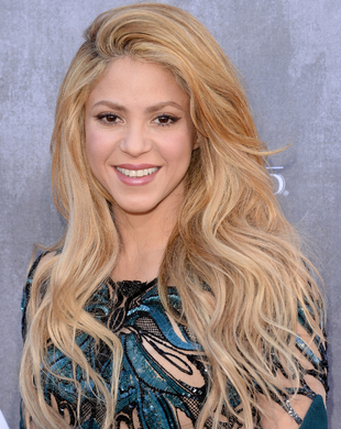 Shakira Acm Awards 2014 Hair And Makeup