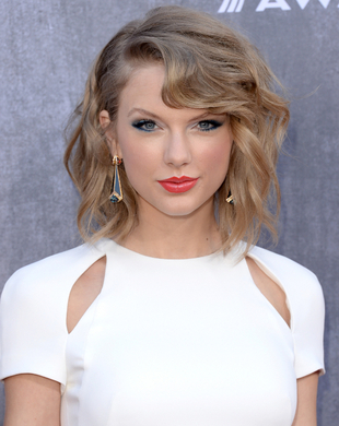 Taylor Swift Acm Awards 2014 Hair And Makeup