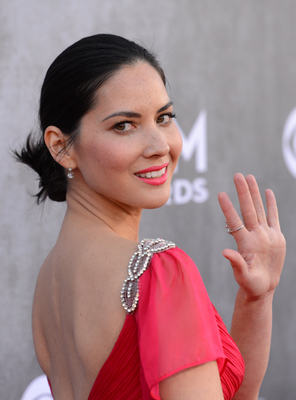 Olivia Munn Acm Awards 2014
