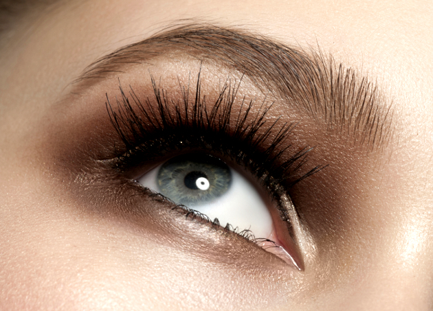 Wear False Lashes During The Day