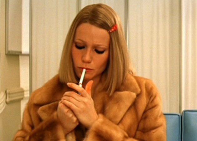 Gwyneth Paltrow Smoking