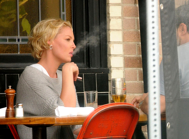 Katherine Heigl Vaping