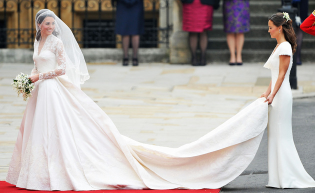 Kate Middleton Alexander Mc Queen Wedding Gown