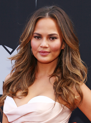 Chrissy Teigen Mtv Movie Awards 2014 Hairstyle