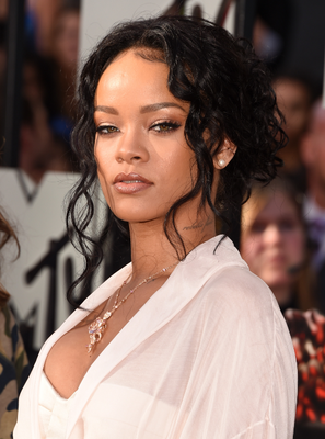 Rihanna Mtv Movie Awards 2014 Hairstyle