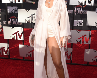 Check out the most head-turning looks spotted at the MTV Movie Awards 2014 edition, held at the Nokia Theatre on Sunday.