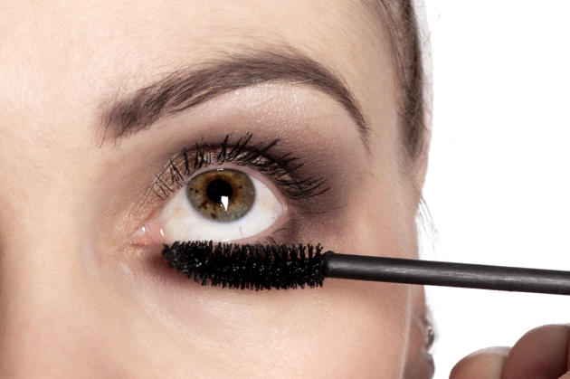 Mascara On Lower Lashline