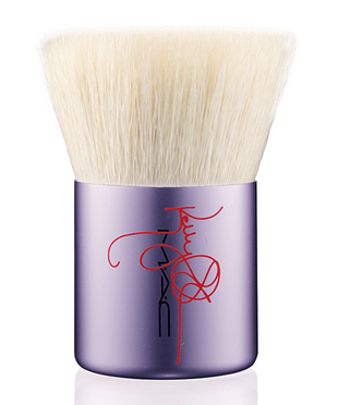 Mac Kelly Osbourne Brush