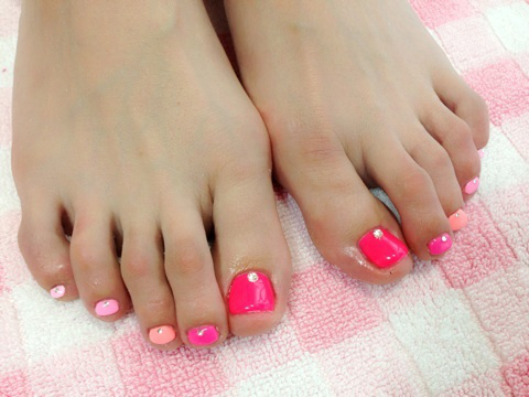Monochrome Ombre Pedicure