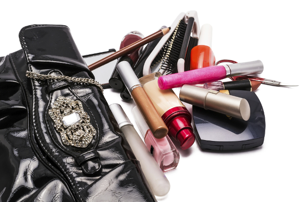 What Makeup To Pack For Vacation
