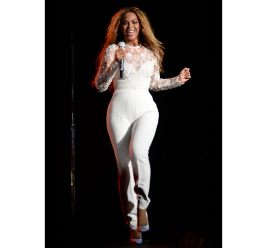 Beyonce On The Run Tour In Elie Saab Jumpsuit