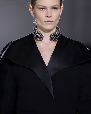 Balenciaga Fall 2014 Chocker