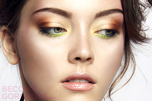 Shimmery Eye Makeup For Bigger Eyes