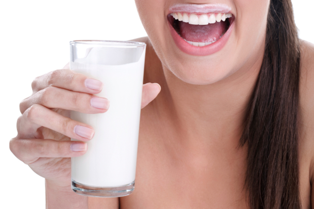 10 Healthier Alternatives to Cow's Milk