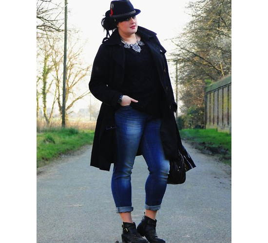 Plus Size Style Cuffed Jeans