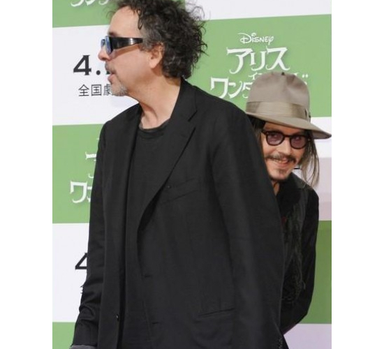 Johnny Depp Photobomging Tim Burton