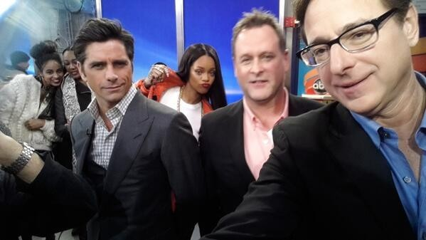 Rihanna Photobombing The Full House Cast