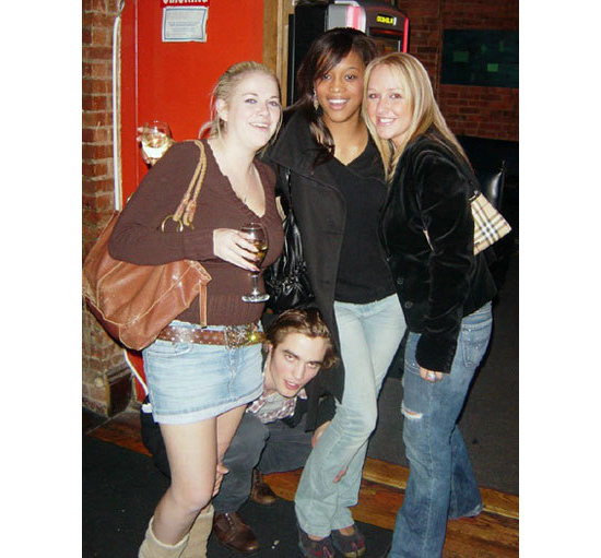Robert Pattinson Photobombing Girls