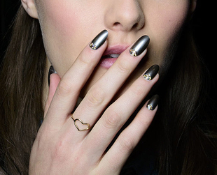 If you'd like your nails to be as trendy as your overall style, check out the coolest looks from the Fall 2014 runways shows and you'll find the perfect one.