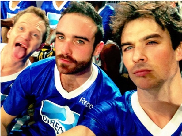Ian Somerhalder And Neil Patrick Harris Photobomb Selfie