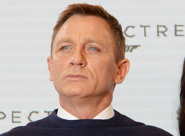 Daniel Craig Never Smiles