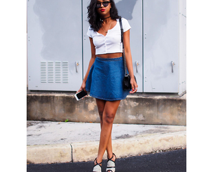 If you want to rock a crop top, check out a few of the best style tips for a gorgeous look. Try the crop top trend and pull if off with these fashion tricks.
