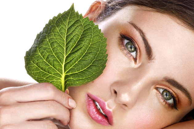 10 Ways to Green Your Beauty Routine