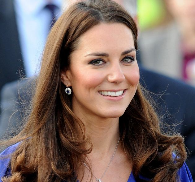 Kate Middleton Does Her Own Makeup
