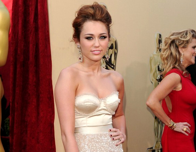 Miley Cyrus Never Went To Prom