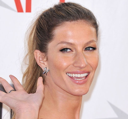 Gisele Bundchen Synthetic Sunscreen Is Poison