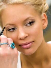 Pictures  10 Wedding Day Beauty Mistakes - Wedding Beauty Disasters