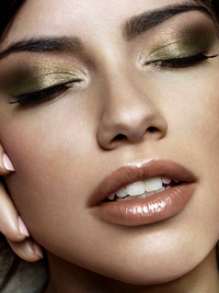 Pictures : Metallic Eyeshadow: Tips, Looks and Trends