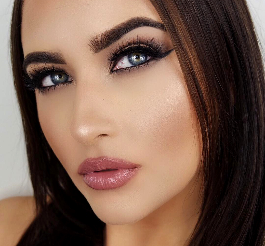 how to make professional makeup at home