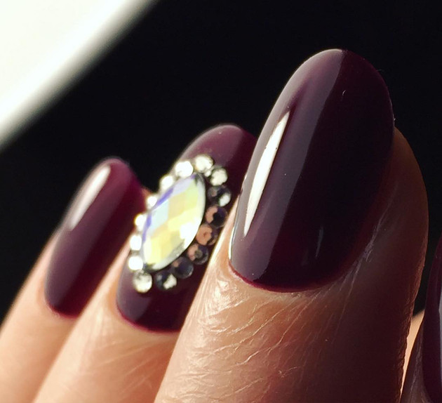 Burgundy Nail Color Trends