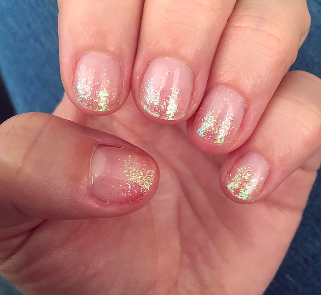 Natural Nails Glitter Manicure
