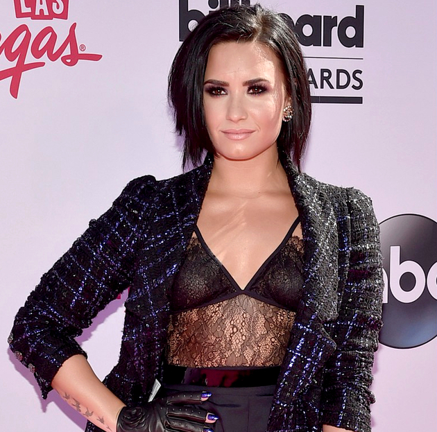 Demi Lovato Hairstyle 2016 Billboard Awards