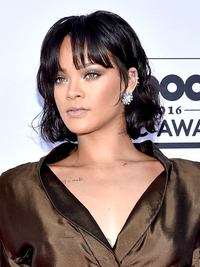 Rihanna Hairstyle 2016 Billboard Awards