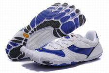 Women-vibram-five-fingers-speed-white-blue-shoes-01_large