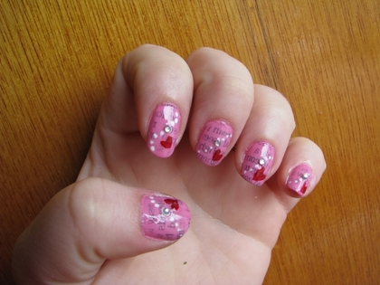 Newspaper_nails-24260