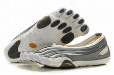 Women-vibram-five-fingers-jaya-lr-white-grey-shoes-01_large
