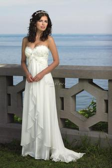 Sheath_sweetheart_neck_empire_waist_chiffon_beach_wedding_dress_with_crystal_appliques_411_large