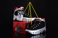 Sporting-pictureshoes-low-cost-sneaker-air-jordan-9-011-black-silver-orange-011-01